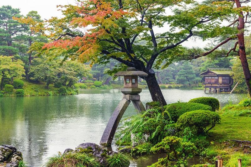 老人ホーム 石川-秋雨の兼六園