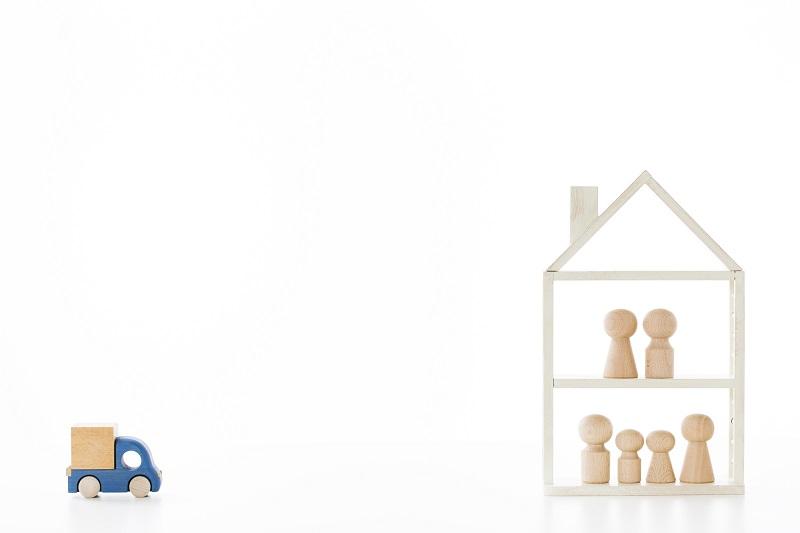 世帯分離 デメリット-二世帯住宅の積み木イメージ